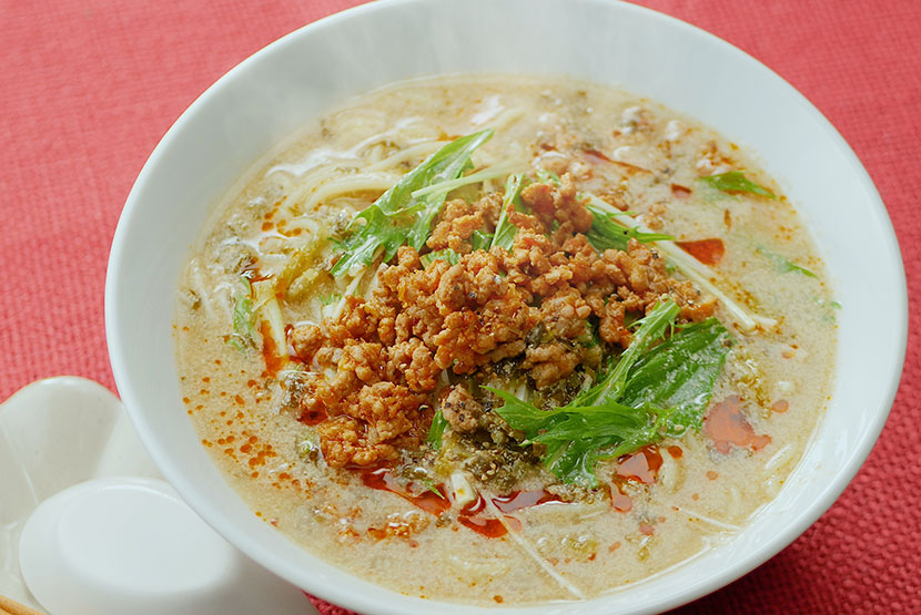 水菜とねぎのせ担々麺
