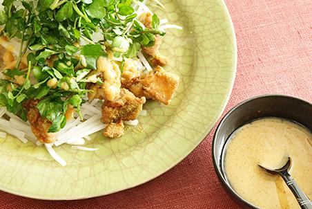 クミンフライドチキンと大根のサラダ みそドレッシング