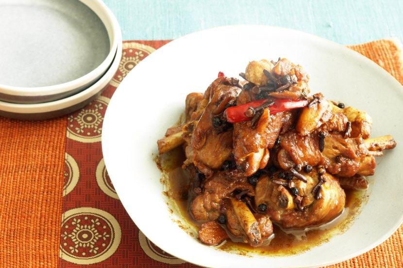 骨付き鶏のスパイス煮