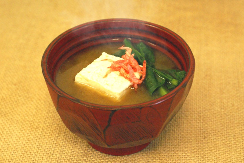 豆腐と小松菜のみそ汁
