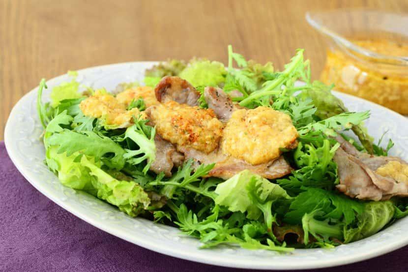 焼き肉和風サラダ みそドレッシング
