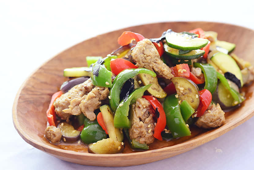 炒め野菜と大豆のお肉のホットサラダ のりごま風味