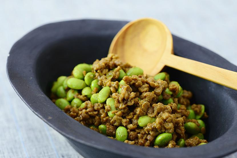 大豆のお肉と枝豆のカレーしょうゆ炒め