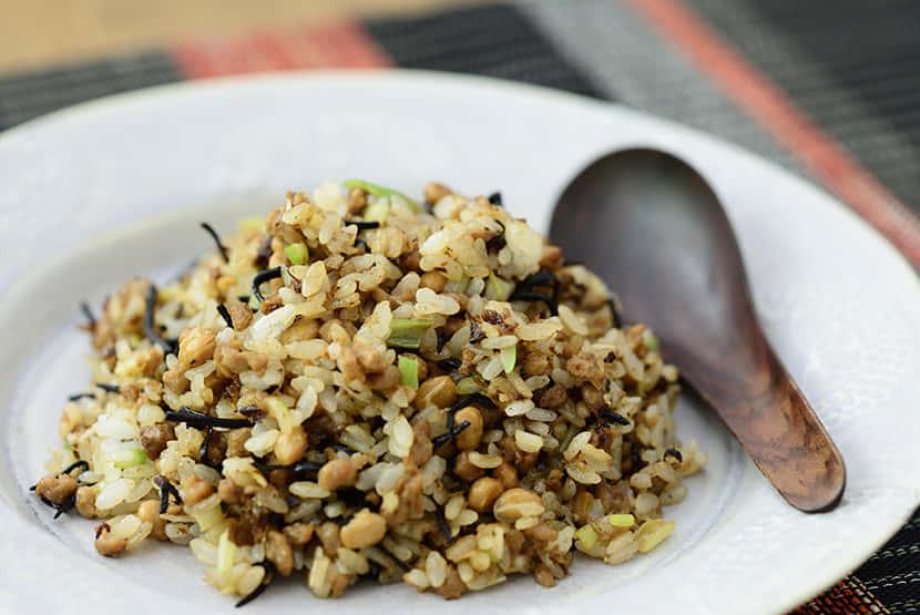 納豆と大豆のお肉のヘルシー塩昆布チャーハン