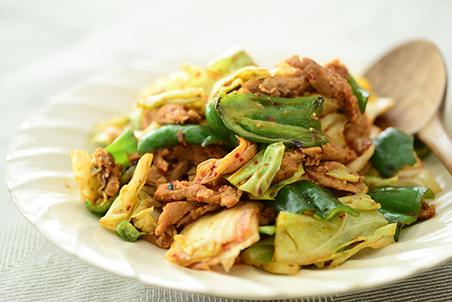 キャベツとピーマンと大豆のお肉フィレのみそキムチ炒め