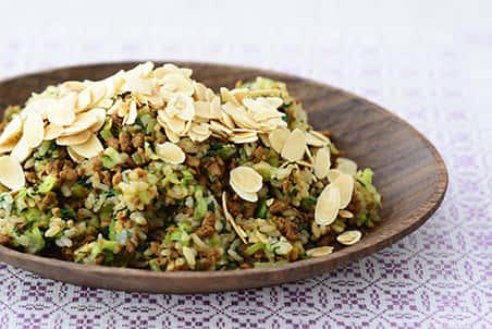 大豆のお肉ミンチ 肉みそ風と小松菜の混ぜご飯