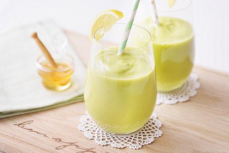 アボカドと糀甘酒のクリーミースムージー