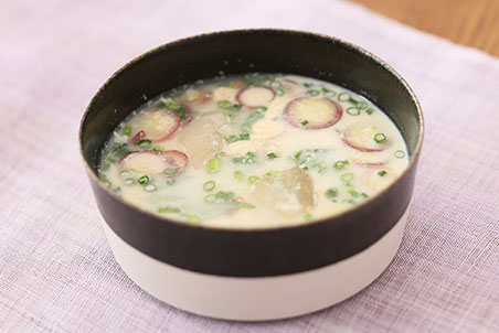 薬味で作る豆乳みそ汁(冷やしバージョン)