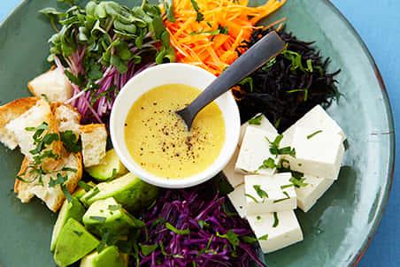 アボカドと豆腐の彩りサラダ からし酢みそドレッシング