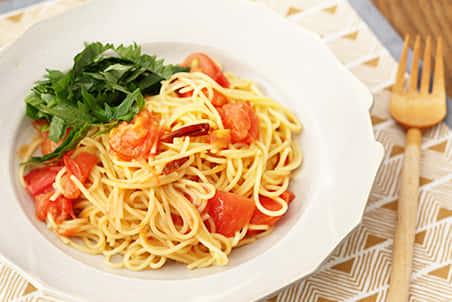 トマトと青しそのみそペペロンチーノ