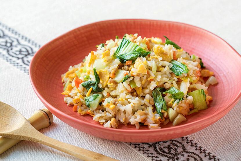 大豆のお肉とチンゲン菜のチャーハン