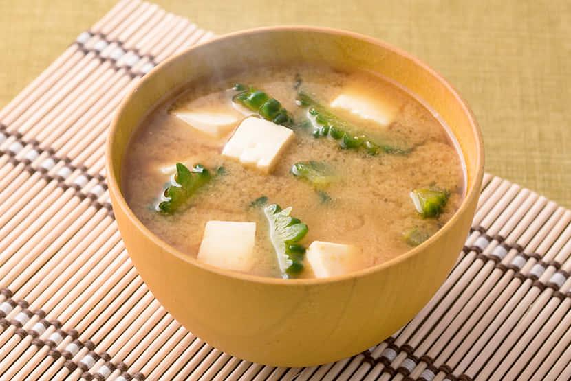 ゴーヤーと木綿豆腐のみそ汁