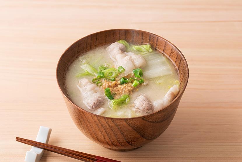 白菜と豚バラの白い豚汁