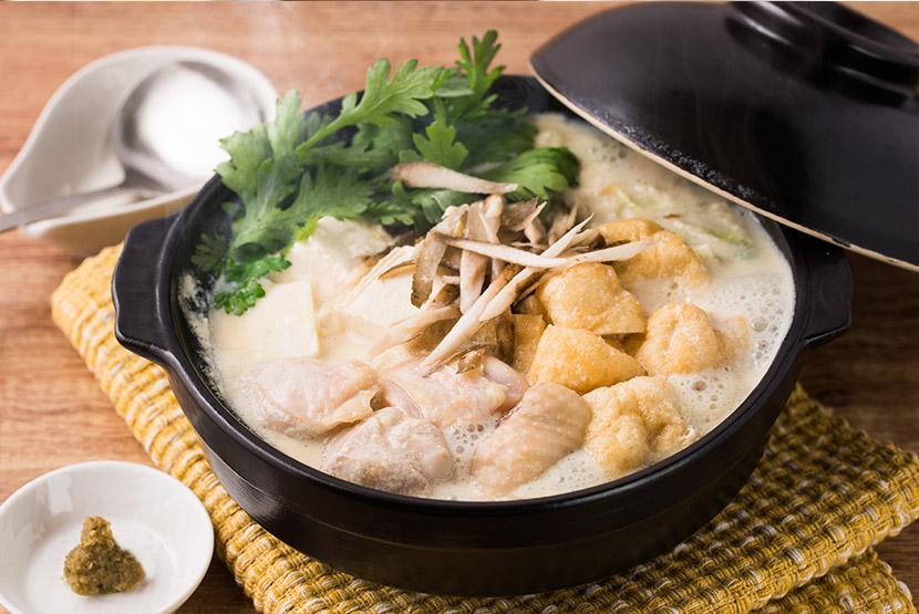 鶏ごぼうの白みそ豆乳鍋