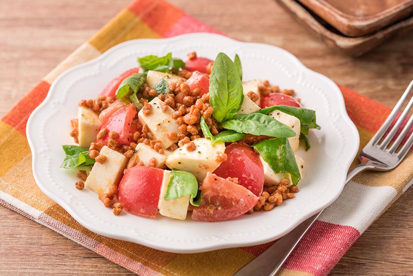 カリカリ食感のカプレーゼサラダ