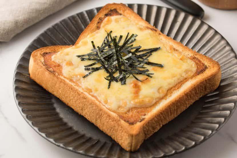 みそチーズのりトースト