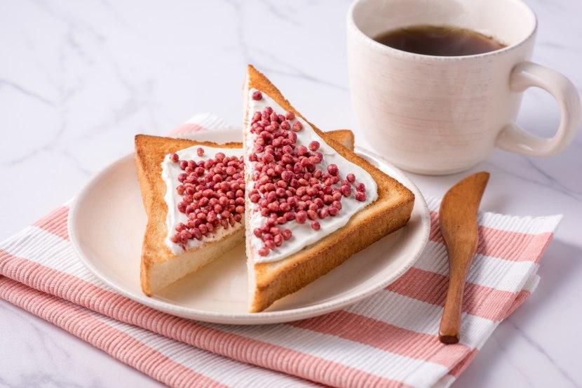 サクサクいちごのデザートトースト