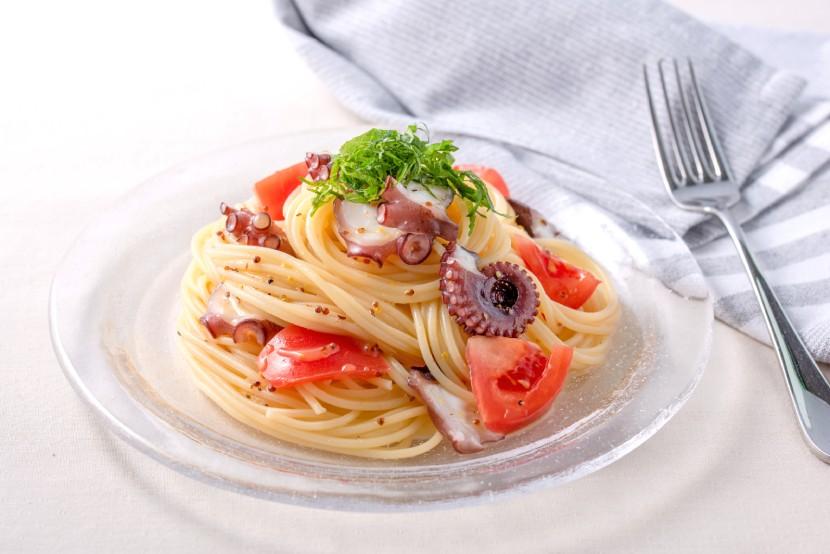 たことトマトの冷製パスタ