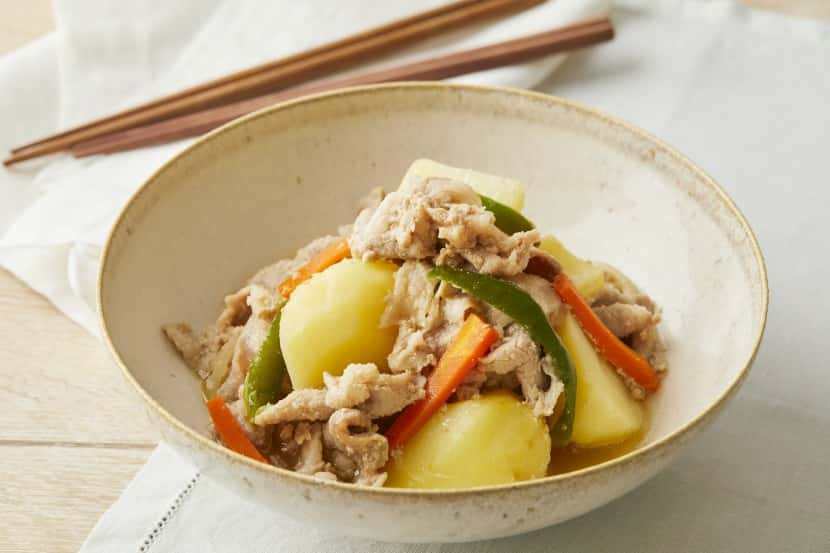 【下味冷凍】豚プルコギ肉じゃが 〜豚こま切れ肉の糀甘酒みそ漬けアレンジ〜