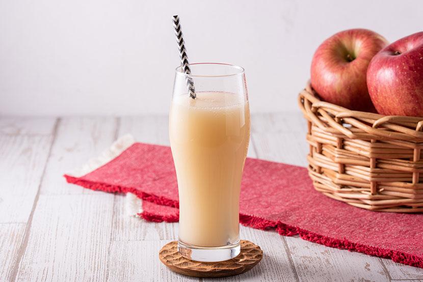 りんご黒酢のノンアルコール糀シードル(糀甘酒 糀リッチ粒×りんご黒酢)