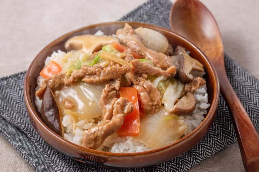 大豆のお肉の中華丼
