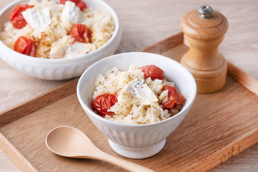 トマトとカマンベールチーズの炊き込みご飯