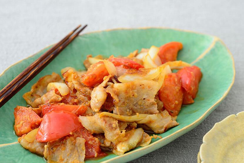 豚肉とトマトのしょうゆ糀炒め
