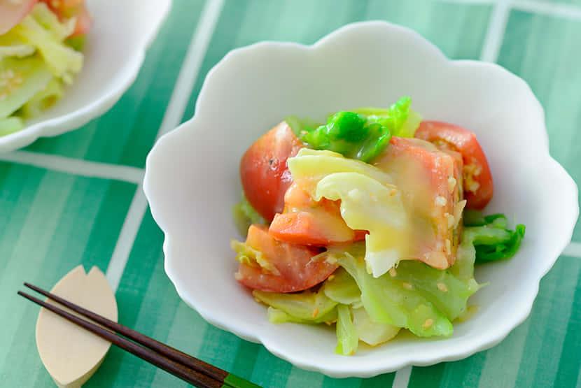 ゆでキャベツとフルーツトマトの酢みそ和え 生姜風味