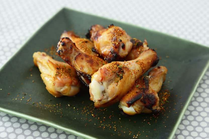 鶏手羽元の糀みそ漬け焼き 七味風味