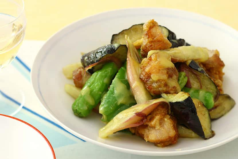 夏野菜と鶏の唐揚げのからし酢みそ和え