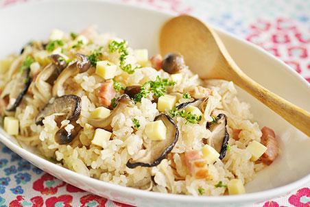 洋風 炊き込み ご飯 トマトやツナ缶で簡単♪ひと味違う「洋風炊き込みご飯」レシピ15選