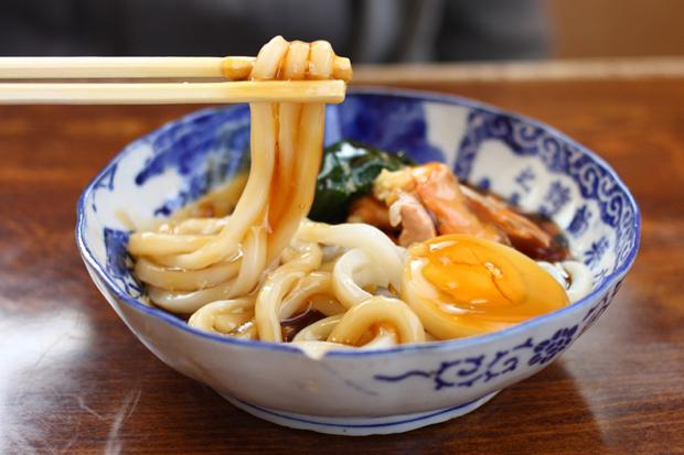 山形県酒田市栄華の時を想う、まつりの味『あんかけうどん』